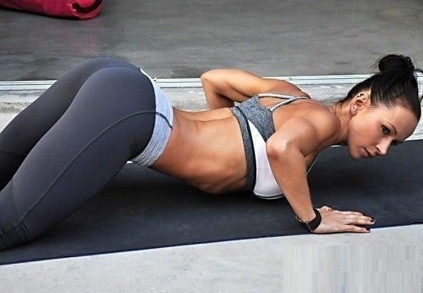 тренировка и фитнес для девушек